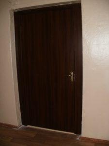 Двери24 установка межкомнатной двери Каменское школа 23 кабинет 32