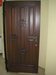 Двери входные металлические замок Моттура