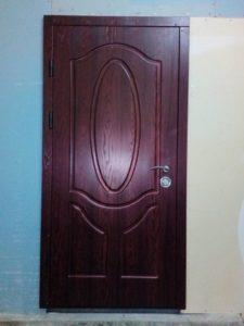 Двери входные металлические с накладками мдф