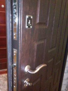 Двери входные металлические установка Вольногорск